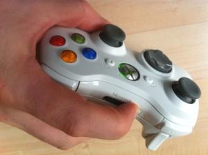Xbox Controller nach USB-Empfänger suchen lassen durch Drücken der Verbindungstaste