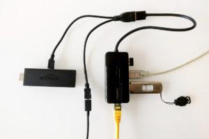 Der Fire TV Stick 2 kann via OTG-Adapter an den USB-LAN-Adapter inkl. USB-Hub angeschlossen werden. Damit hat man sowohl Netzwerk-Anschluss als auch Zugriff auf USB-Geräte.