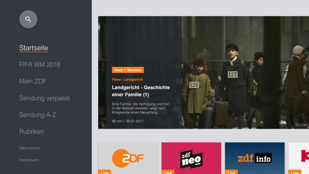 Damit Ihr den ZDF Live-Stream sehen könnt, einfach die ZDFmediathek-App starten und auf der Startseite einmal nach rechts klicken